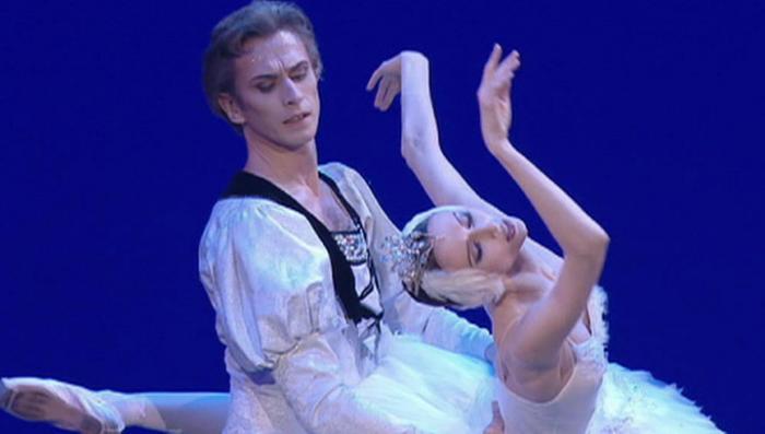 Администратор-торгаш в Большом театре не пустил родителей с детьми на «Лебединое озеро»