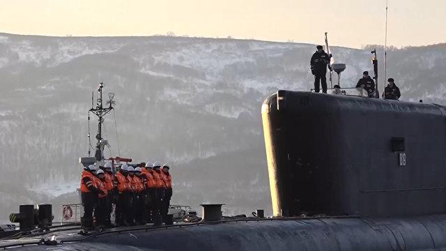 Встреча подводников прибывшего на базу на Камчатке крейсера «Александр Невский»