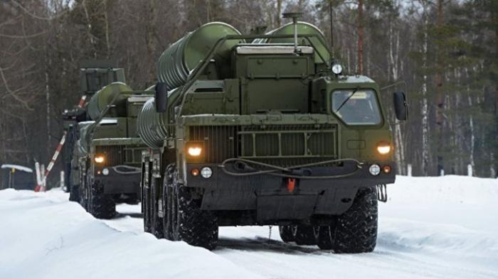 Российские военные за год получили пять полков новейшей ЗРС С-400 «Триумф»