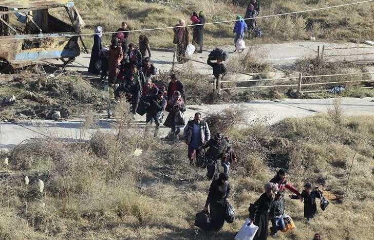 МО РФ: Запад грозит России новыми санкциями за освобождение 80 тыс. сирийцев в Алеппо