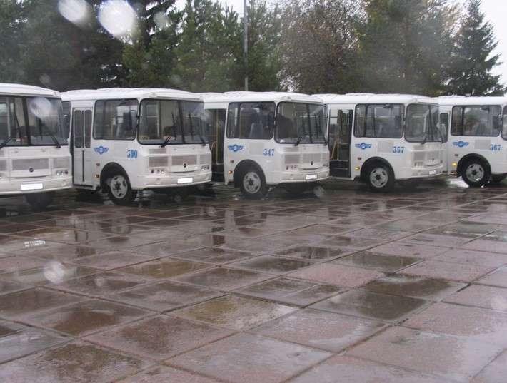 6. В муниципалитеты Псковской и Омской областей поступили 17 новых автобусов политика, факты