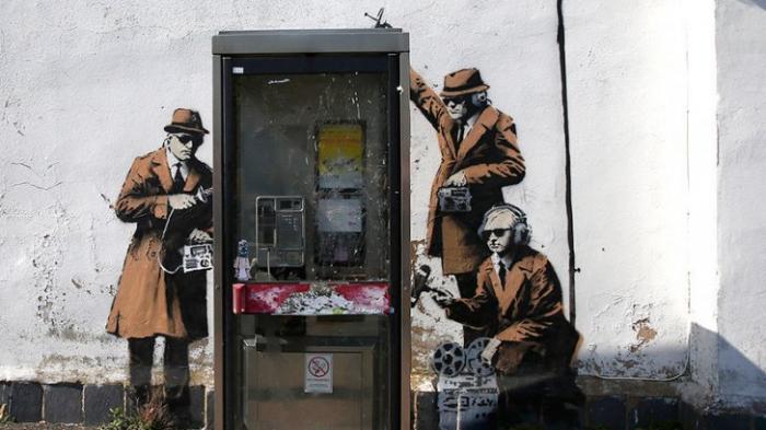Подданных — под колпак: британская королева одобрила закон о массовой слежке за гражданами
