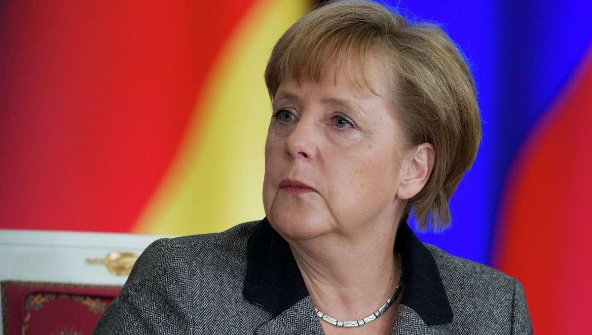 Ангела Меркель не рекомендует торопиться с новыми санкциями против России