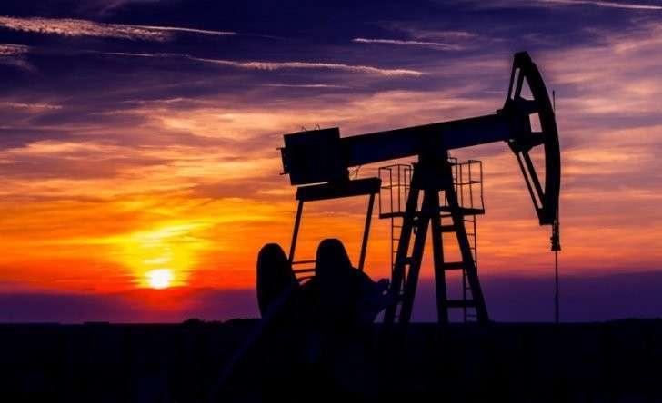 Сокращение объёмов добычи нефти на 2,7% вызвало рост цены на 8,3%