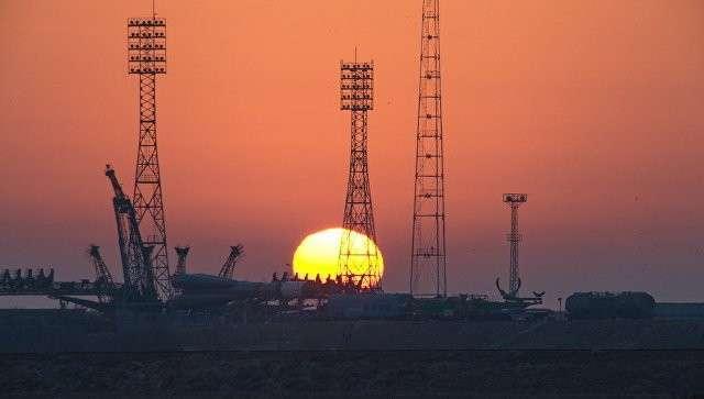 Вглобальной сети  появились кадры «падения» фрагментов  русского  космического корабля