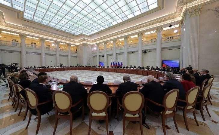 Совместное заседание Совета покультуре иискусству иСовета порусскому языку.
