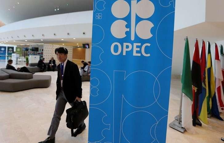 Нефть Brent обновила максимум заполтора года, руб. растет