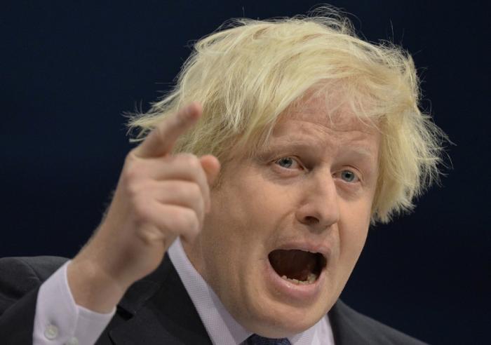 Английский клоун Барух Джонсон пытается выдвинуть России ультиматум