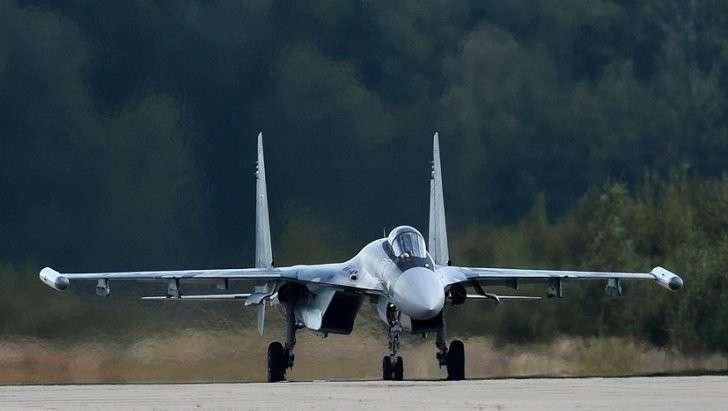 Россия во всеоружии: как курс рубля сказался на торговле военной техникой
