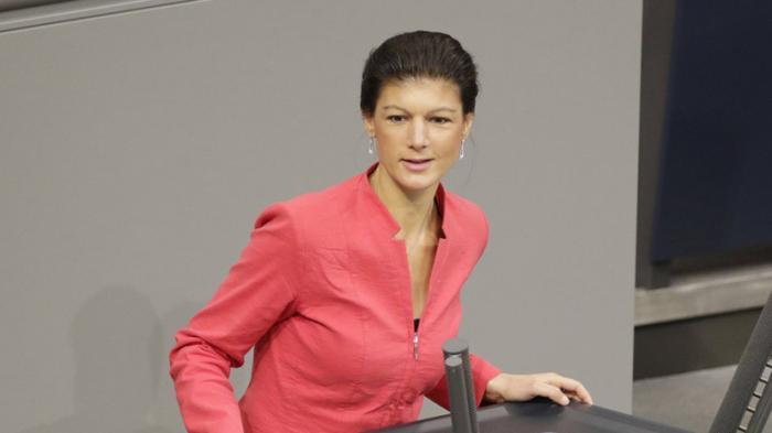 «Конфликт с Россией вредит Европе»: депутат бундестага Сара Вагенкнехт в интервью RT