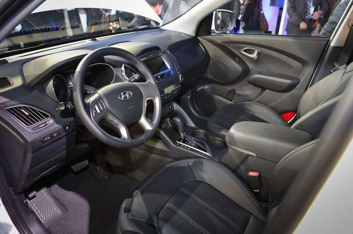 Hyundai-Tucson-Fuel-Cell-interior