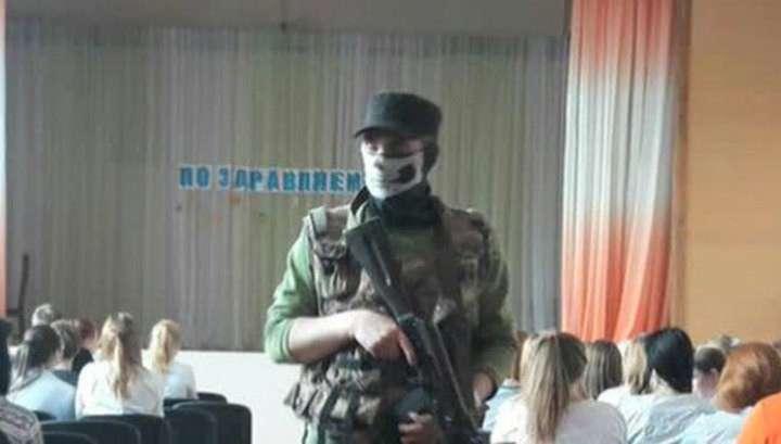 Колледж Тихвина захватили учебные террористы: патриотическое воспитание закончилось скандалом