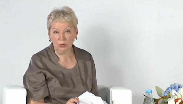 Ольга Васильева не нашла плагиата в диссертации Владимира Мединского