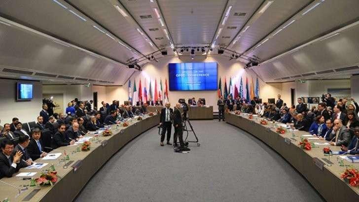 ОПЕК и одиннадцать стран во главе с Россией сокращают добычу нефти