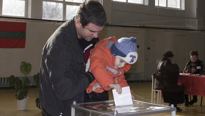 На выборах в Приднестровье лидирует правильный кандидат Вадим Красносельский