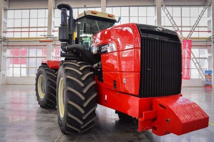«Ростсельмаш» завершил перевод тракторного производства из Канады в Ростов
