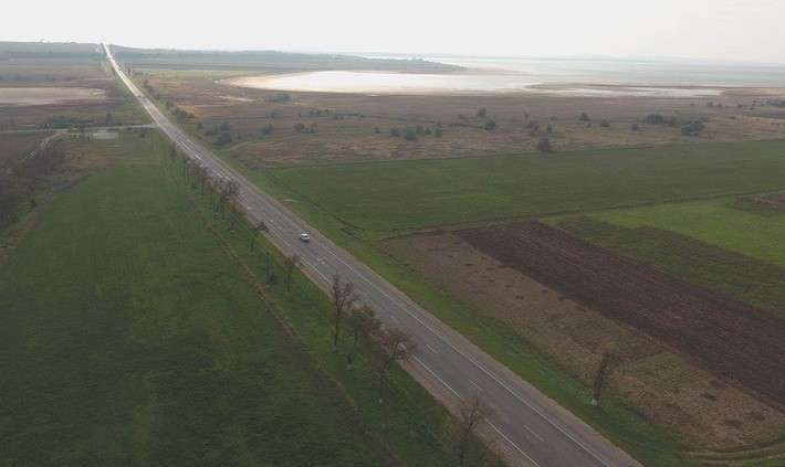 Строители моста вКрым восстановили 30 кмдорог наТамани