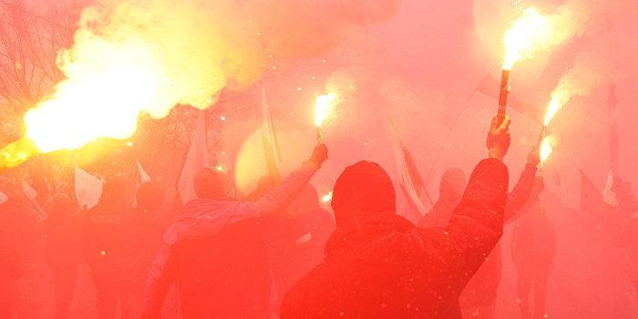 В Варшаву стягивают полицейских со всей страны и готовятся к силовому подавлению протестов