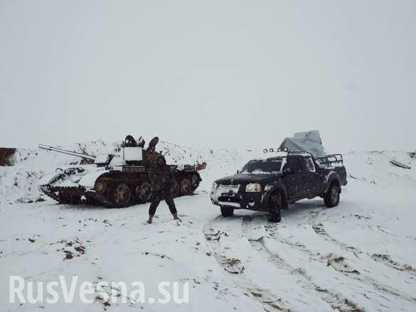 Кадры боев: ВКС РФ и Армия Сирии контратакуют наёмников США под Пальмирой