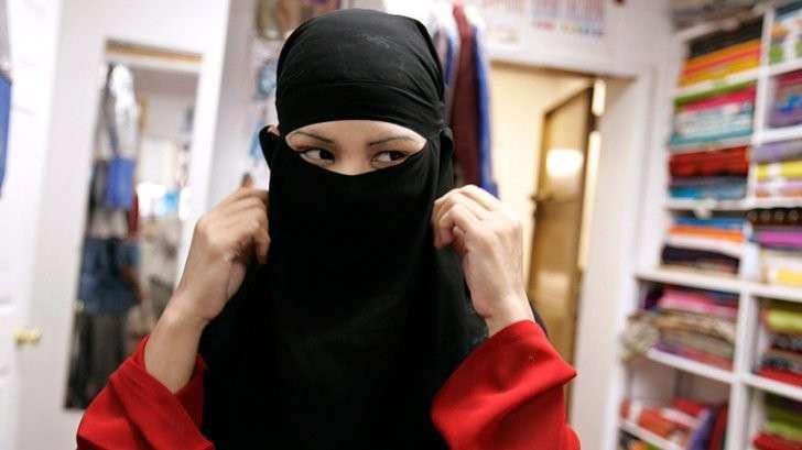 Мода на экстремизм: в берлинских магазинах продают товары для исламистских радикалов