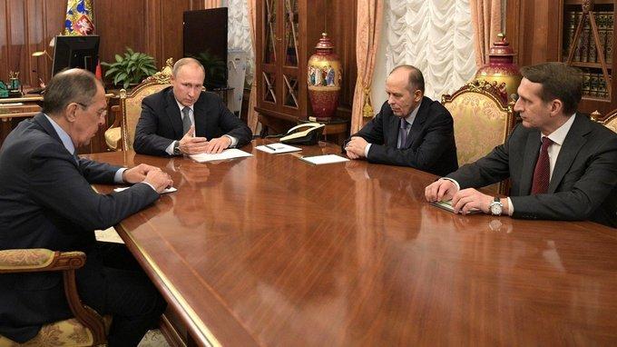 Совещание Владимира Путина с Сергеем Лавровым, Сергеем Нарышкиным и Александром Бортниковым