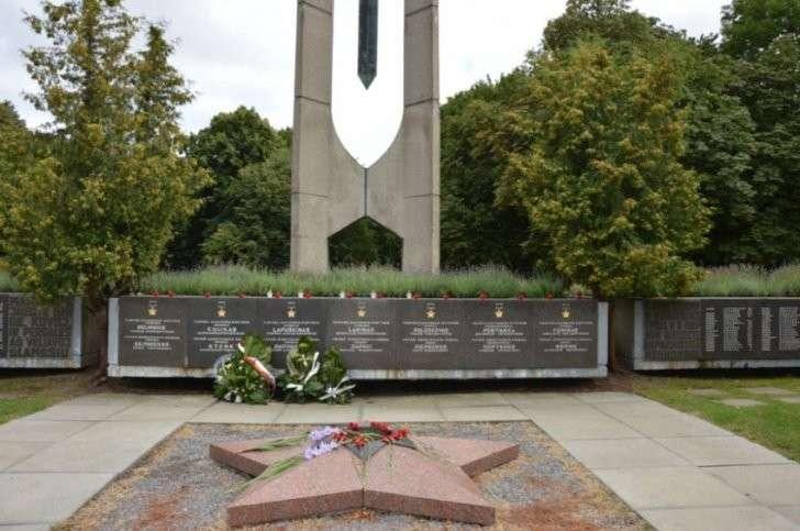 Литва - путь в никуда: Экономика уничтожена, города пустеют