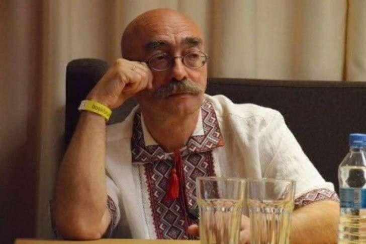 Бровастый Андрюша Бильжо покаялся и поспешил заправить шубу в трусы
