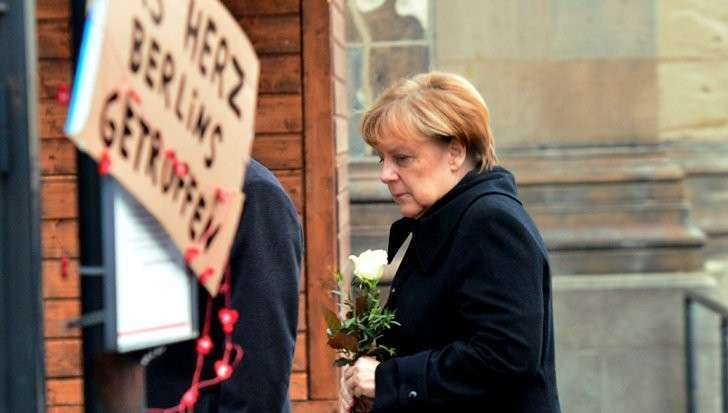 Меркель под ударом: почему канцлер ФРГ не смогла предотвратить трагедию в Берлине и выборы