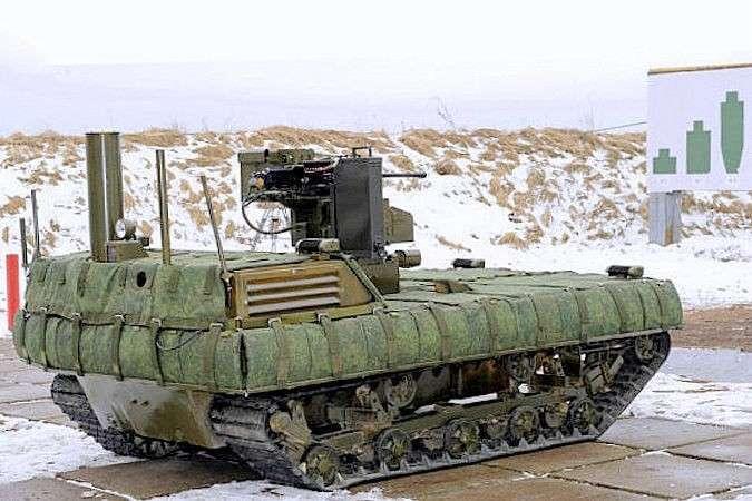 В Алабино военные впервые провели стрельбы с участием боевых роботов
