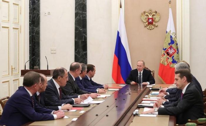 Владимир Путин провёл 24 декабря совещание с постоянными членами Совета Безопасности
