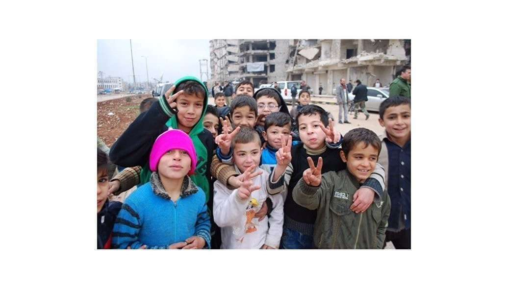 Российские военные передали около 11 тонн гумпомощи жителям Алеппо