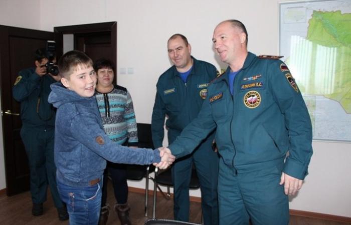 Спасший девочку томский школьник получил медаль «За мужество в спасении»