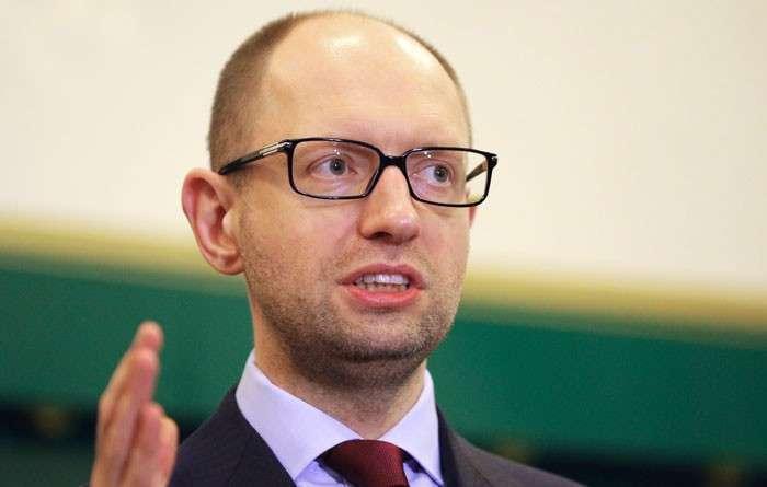 Украина: путь на паперть. По плану Яценюка бюджетников отправят в неоплачиваемые отпуска, бизнес - в тень. А война продолжится