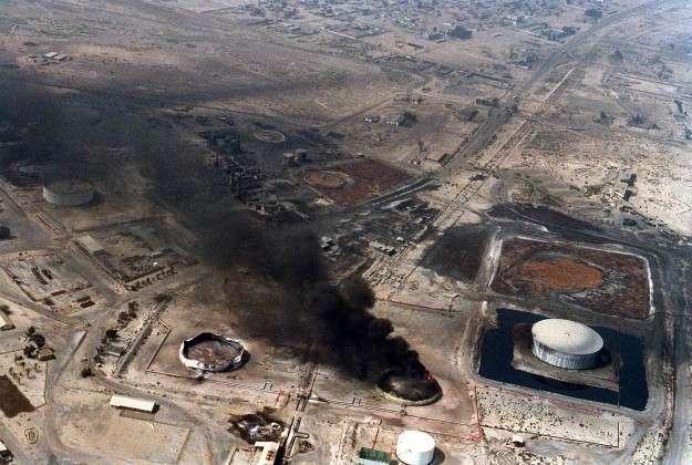 «Буря в пустыне». Бомбёжка нефтяных хранилищ