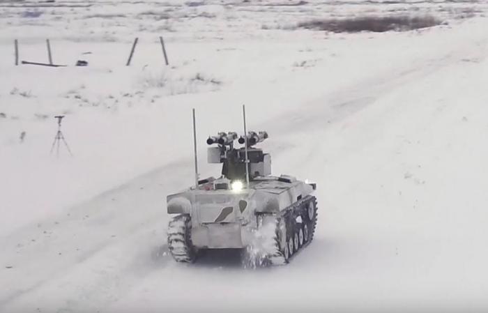 Минобороны РФ опубликовало видео применения боевых роботов «Соратник» и «Нерехта»