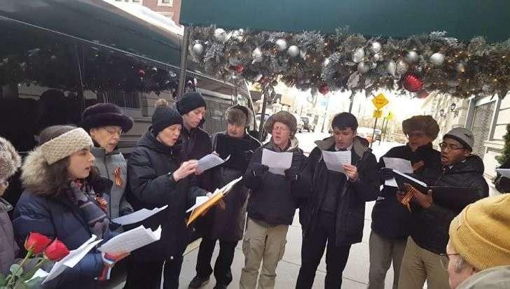 Американцы спели российский гимн в память о жертвах крушения Ту-154