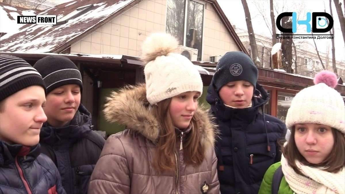 «Из Донецка с любовью!» — жители столицы ДНР поздравляют с 2017 годом