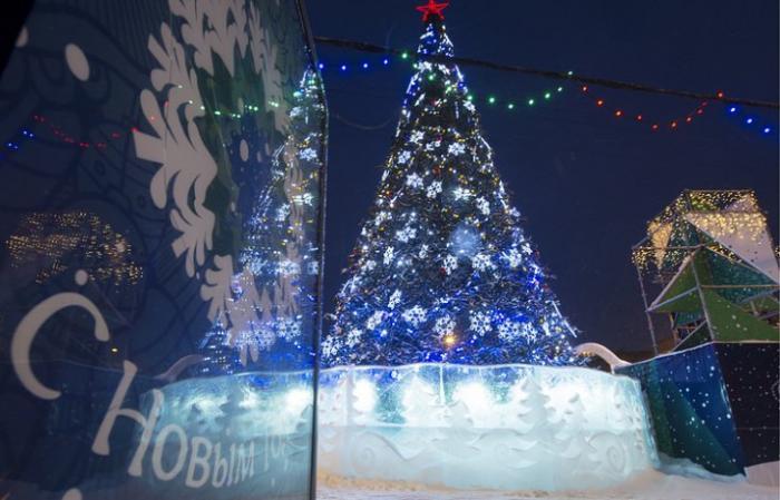 В Новый год сибиряки танцевали под водой, бегали на лыжах и смотрели 3D-шоу