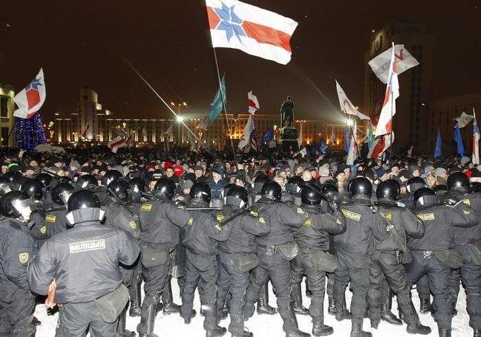 Холодный душ на горячие головы фантазёров о белорусском майдане