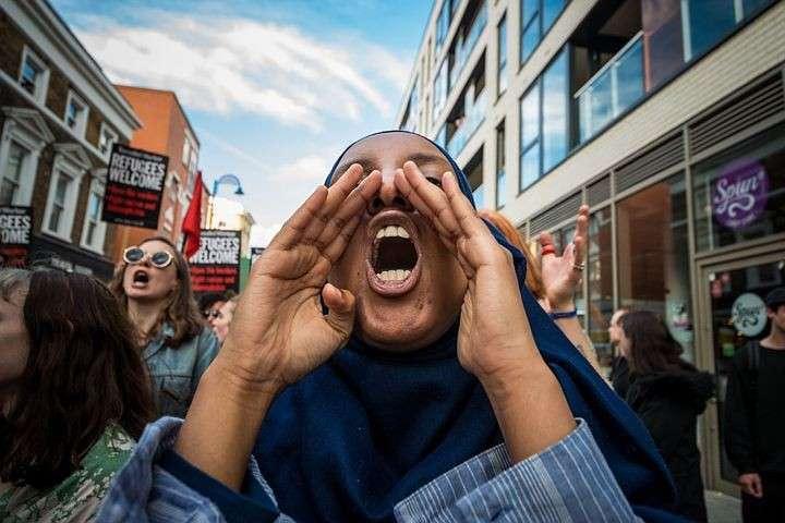 Мигранты в Британии: Белые изгои должны убраться