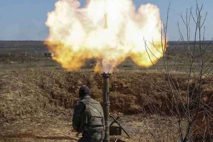 ЛНР: украинская армия ведет обстрел из крупнокалиберных орудий