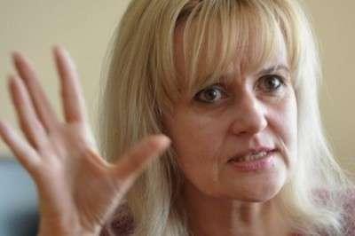 Ирина Фарион учит галичан «добивать маскалей» выстрелами в упор