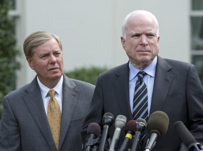Зачем сенаторы-республиканцы МакКейн и Грэм хотят ввести новые антироссийские санкции