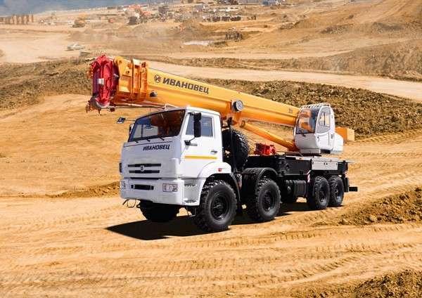Завод «Автокран» выпустил лёгкий 35-тонник
