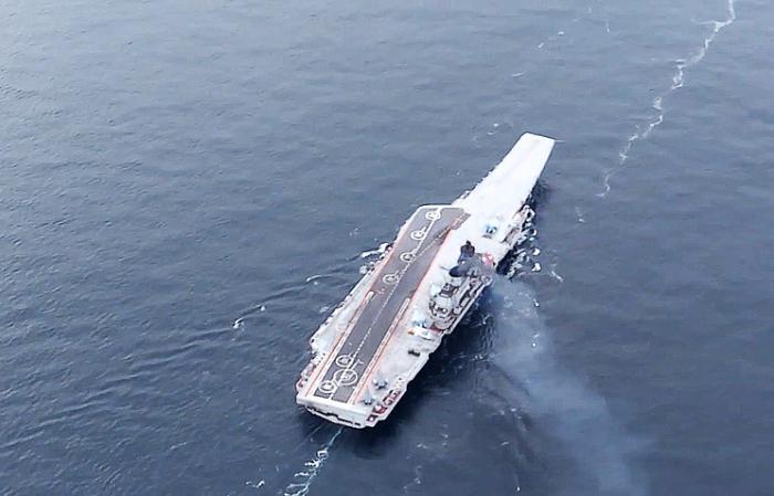 Авианосная группа ВМФ России во главе с «Адмиралом Кузнецовым» покидает Сирию