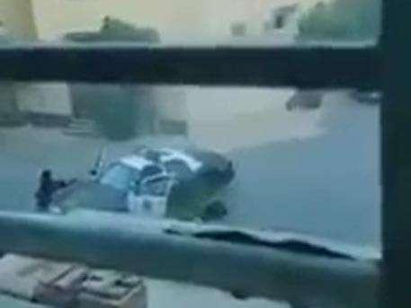 Саудовский полицейский застрелил двоих террористов с поясами смертников