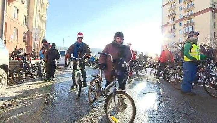 В Москве прошел экстремальный велопарад при температуре минус 28