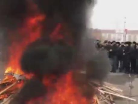 В Грозном прошел многотысячный митинг родителей чеченцев, которые были завербованы в ИГ