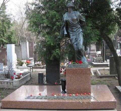 Зоя и упыри: Конелюб Александр Невзоров пошёл тропинкой Бильжо