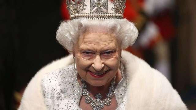 Королева Елизавета II всё же умерла? Или опять ломает комедию?